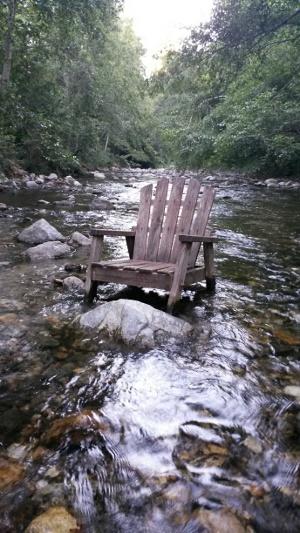 chair_river2